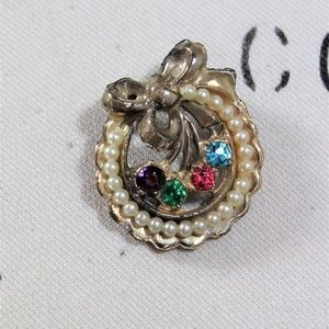 Vintage Wreath Brooch with Rhinestones, Faux Pearl